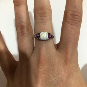 Sterling silver ring with Opal stone size 7